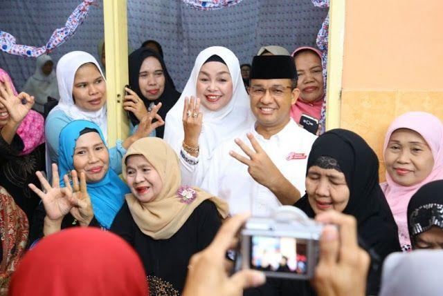 Anies Janji Kembalikan Jakarta pada Warganya  Nusantarasatu.net - Hujan gerimis yang mengguyur Jakarta pagi ini tidak menghalangi majelis taklim Nurul Iman untuk memperingati maulid Nabi di Jalan Buncit Raya Kalibata Pancoran Jakarta Selatan Sabtu pagi (14/1). Calon Gubernur Anies Baswedan juga turut hadir di acara ini menyapa warga dan menyosialisasikan visi-misinya untuk Jakarta lima tahun ke depan. Mengenakan kemeja putih Anies berterima kasih kepada warga yang senantiasa tulus…
