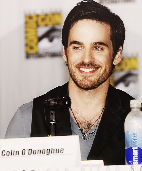 Colin O'Donoghue... that smile <3
