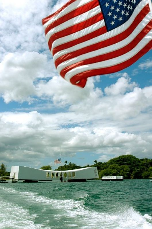 Click to discover the 10 most amazing things to do on #Oahu #Hawaii - Arizona Memorial