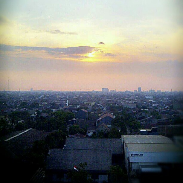 Sun set From Sinar Galesong 8th Floor #Mypic#Sunset#View#Galesong##Building #webstagram