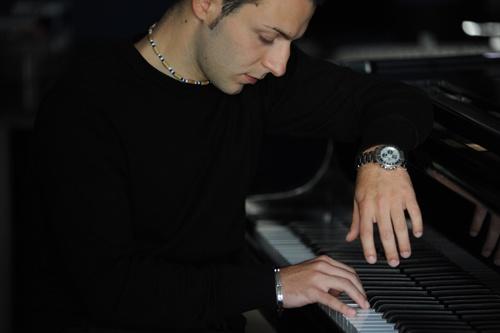 Marco De Gennaro | finalista 2012  P.I.M.U.social  http://www.facebook.com/premiomassimourbani/app_190322544333196