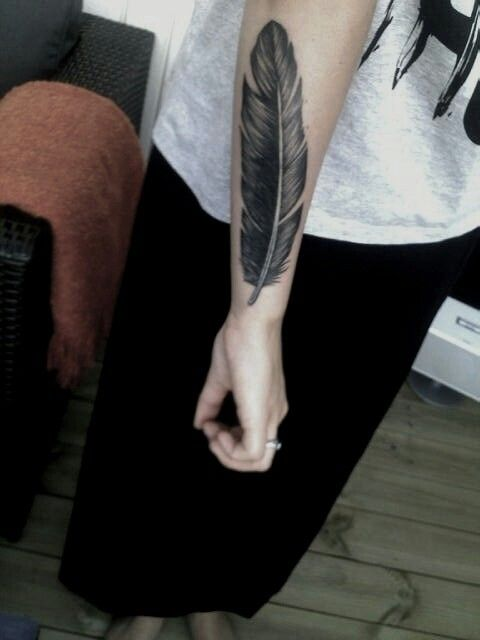 Feather Tattoo Side Arm