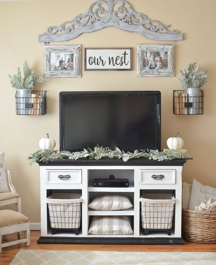 Farmhouse style fall decor in the living room