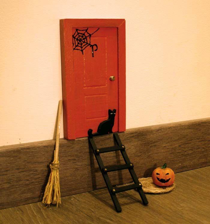 Una puerta para el ratoncito p rez decorada con for Puertas de escalera