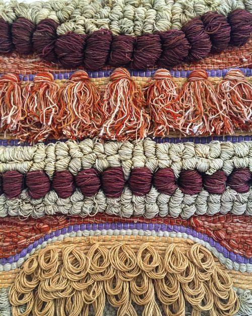 """ден-и-покопайся:  """" #можешь покинуть #текстиль #ткацкое textileart ##70е #Винтаж на стене #(в Палм-Спрингс, Калифорния)  """""""