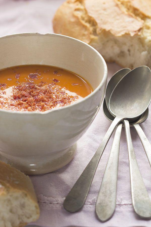 Esta es una de las recetas que más sorprende a mis amigos mexicanos... y que bueno sale el Salmorejo con la Thermomix!! #fb