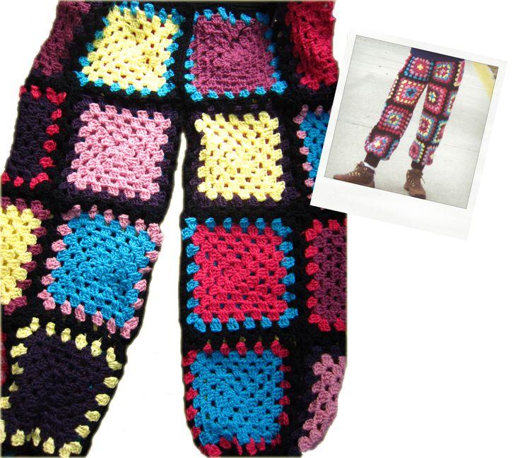 Pantalón tejido a crochet con pretina y puños a palillo, los diseños no se repiten. #trousers #crochet #granny #square #pants #knitting