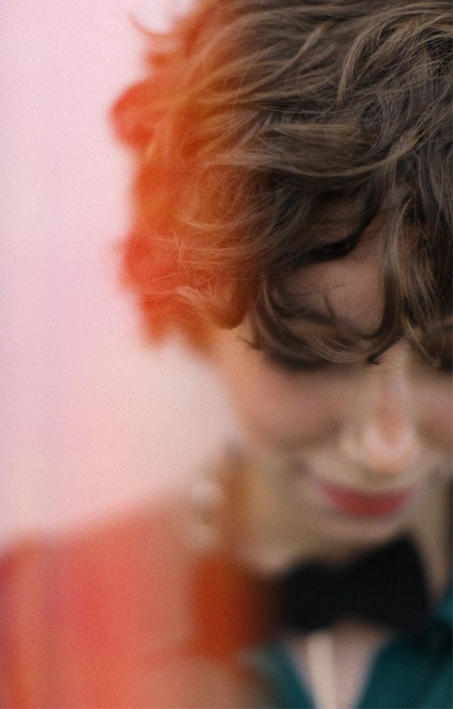 max wanger: Hairstyles, Bows Ties, Trav'Lin Lights, Shorts Hair, Color, Curls, Portraits Photography, Colour Hair, Lights Leakes