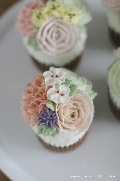 veranda studio butter cream flower cupcake