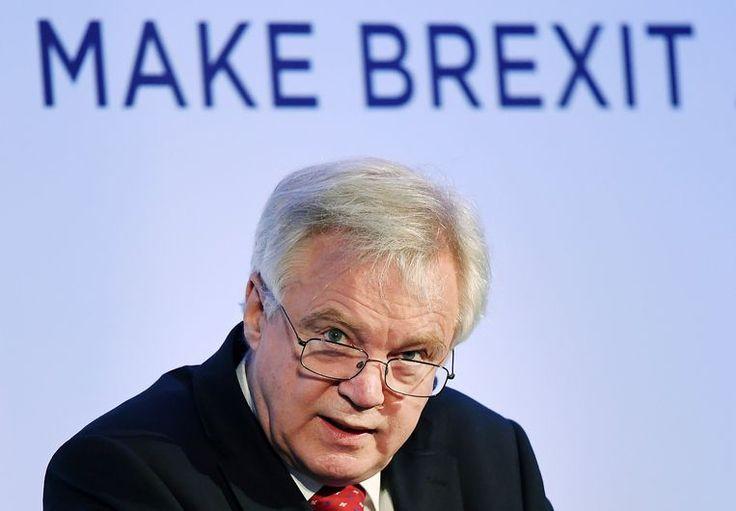"""Volgens de Financial Times heeft de EU de geschatte factuur aan openstaande rekeningen opgetrokken tot het bedrag van liefst 100 miljard euro, maar dat zien de Britten niet zitten. De Britse regering zal enkel betalen wat ze verschuldigd is op basis van haar wettelijke, internationale verplichtingen, """"niet zomaar wat de EU wilt ."""