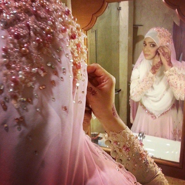 diana amir - syar'i and simple wedding dress