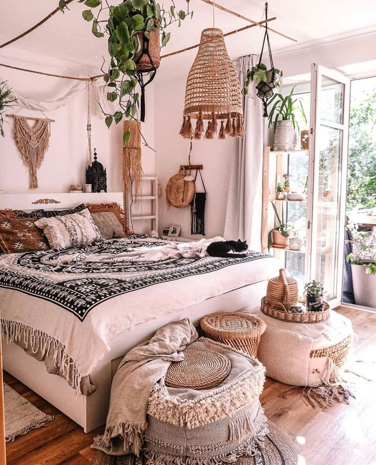 """Home Decor Inspiration ♡ on Instagram: """"Omg 💕😍 Loving this boho room by @kalk_katt ! What do you think? ✨ Follow me @my_homely_decor for more xo"""""""