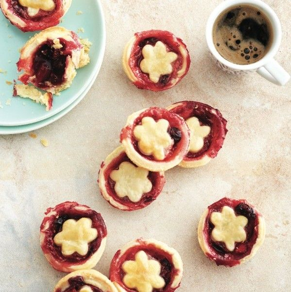 ... favourite summer pies and tarts - Berry tartlets with jumbleberry jam