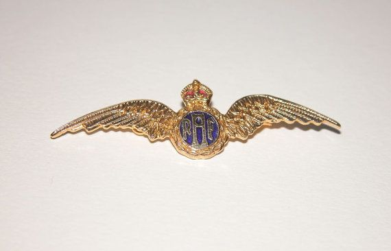 A really nice RAF enamelled gold plated Sweetheart Brooch in very good condition. The enamelling as as new, no damage and the C clip is in good working