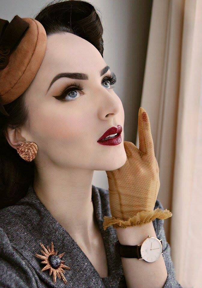Those eyebrows!  Idda van Munster: Classic Bristol Lady by Daniel Wellington