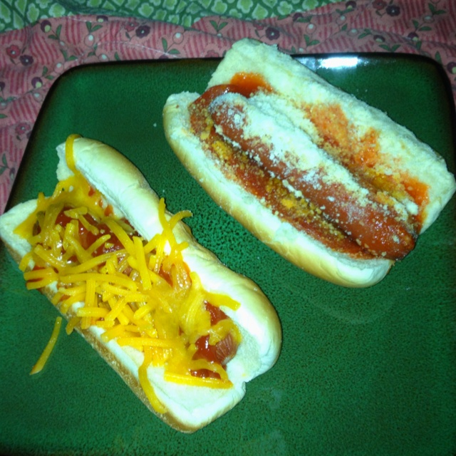 Duo of hot dog: sharp cheddar, spicy tomato & French parmigiana