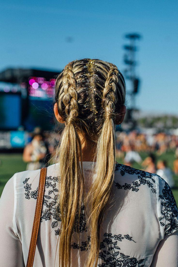 The Best Beauty Looks From Coachella #refinery29 http://www.refinery29.com/2017/04/150164/coachella-best-hair-makeup-trends-2017#slide-13