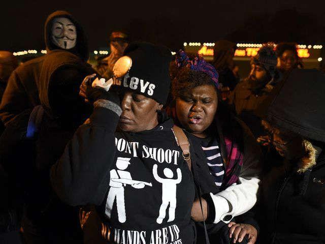 Ferguson burning after grand jury announcement via @USATODAY