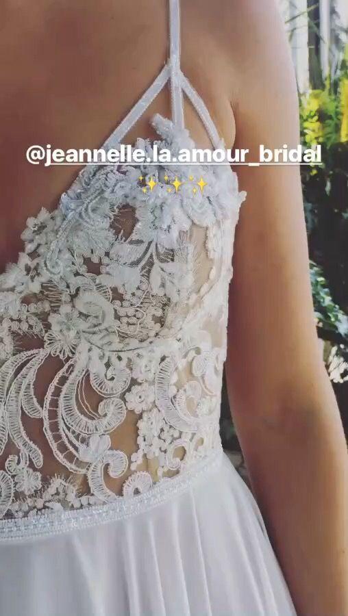 Geneva gown from Jeannelle la Amour bridal 2017 #bohobride #caseyjeanne