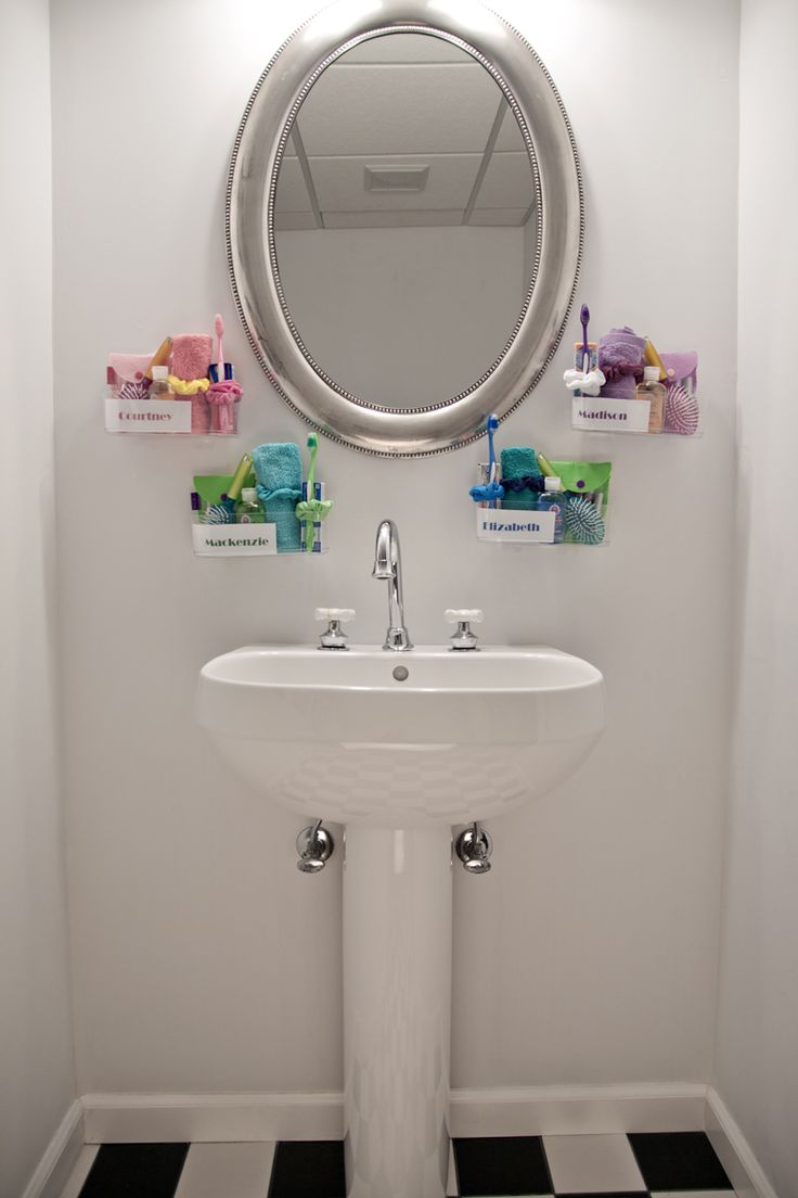 Use Command Clear Caddies to help you and your roommates to keep your  bathroom supplies separate and organized. - Cute idea if theres no sink  space