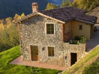 maybe cheaper due to being avail??Trepignana, Castelnuovo di Garfagnana, near Barga,Tuscany Lucca Region