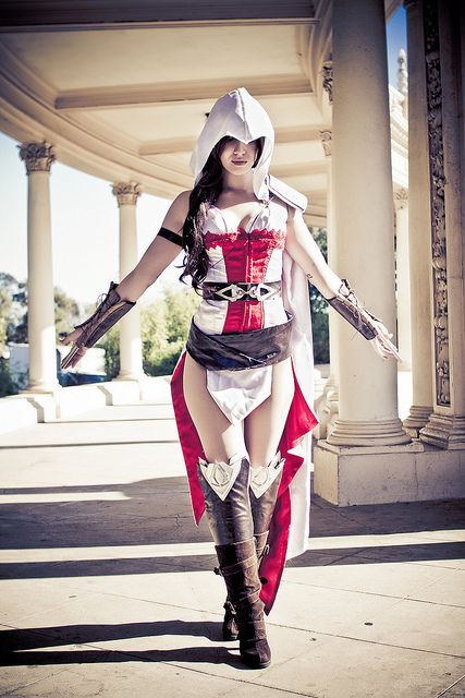 Cosplay Photoshoot: Female Assassins Creed by Mike Rollerson, via Flickr <--I'm repinning this because I think it makes me geeky that I can spot the Organ Pavilion anywhere.