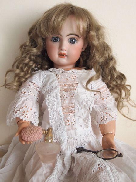 french bisque doll Jumeau Steiner Gaultier antiquemoulinacafe