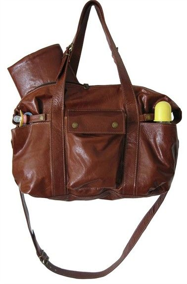 Looking for a standout diaper bag that doesn't look like every other diaper bag you see? Then the Hansel Diaper Bag in Cognac Diesel is the bag for you!