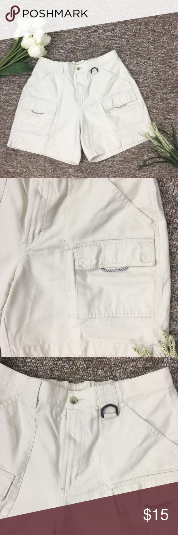 Columbia Sportswear Shorts Size Large Columbia Sportswear Company Womens Proformance Fishing Gear Shorts. Size 6 Cream.    K-9-1 Columbia Sportswear Company Shorts