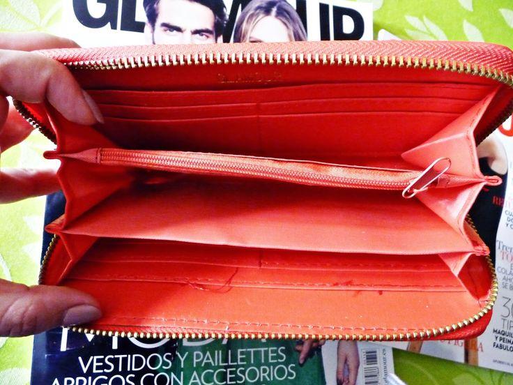 Envuelta en crema: Cartera de la revista Glamour de noviembre por dentro. ¿Merece la pena por 3´50 euros? ¿Realmente los colores son tan bonitos?
