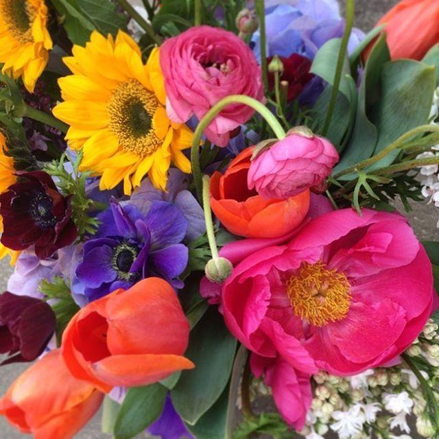 Some of my favorites... . . #springflowers #tulips #peonies #anemone #cheerful #colorfull #mothersdayflowers #mothersday #fayettevillear #nwarkansas #zuzuspetalsandgifts