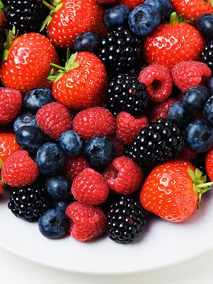 Weight Loss Tips from Bob Harper : People.com FRESH-CUT BLUEBERRIES, RASPBERRIES AND BLACKBERRIES (Good Carbs)