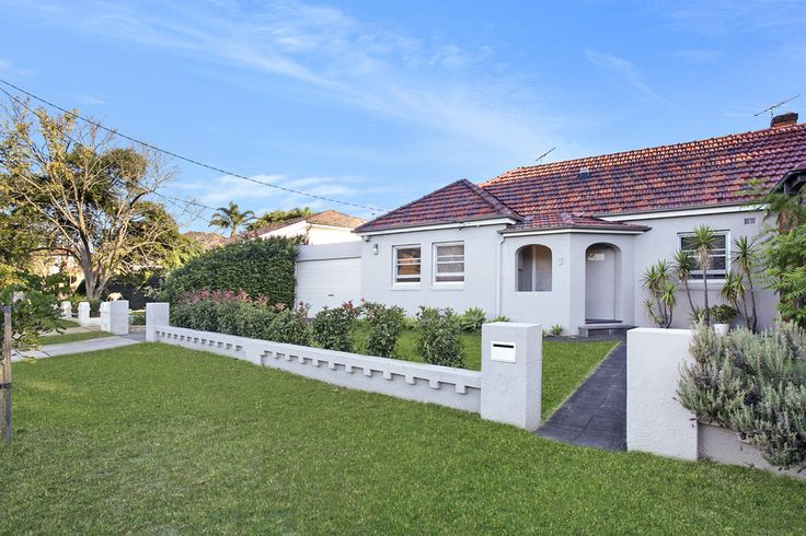 3 Parer St. Maroubra 2 Bed 2 Bath 2 Car  http://www.belleproperty.com/buying/NSW/Eastern-Suburbs/Maroubra/House/14P2079-3-parer-street-maroubra-nsw-2035