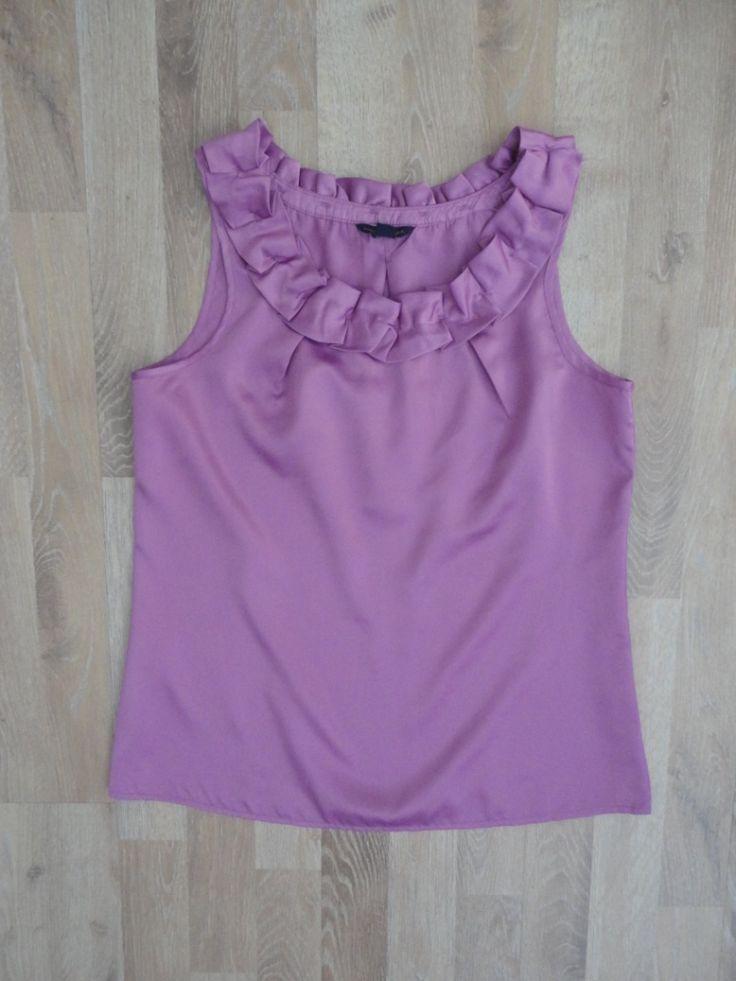 Blusa de saten color lavanda con volados en el cuello #BananaRepublic #ModaSustentable. Compra esta prenda en www.saveweb.com.ar!