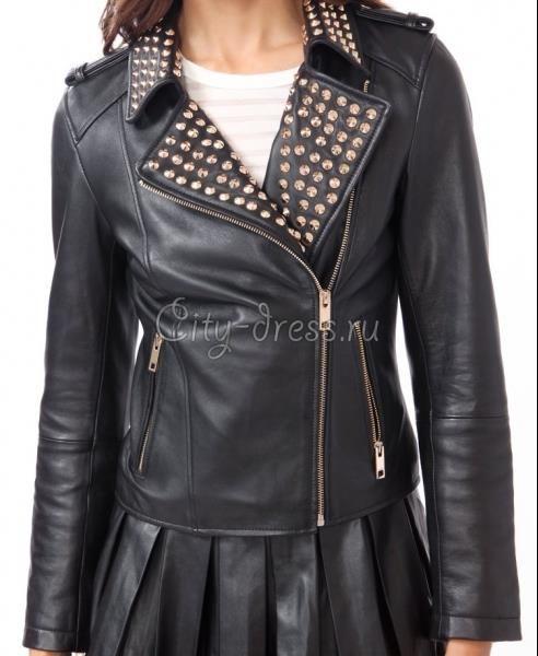Женская кожаная куртка с шипами