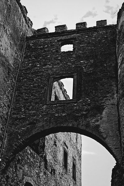 bwstock.photography - photo | free download black and white photos  //  #castle #walls