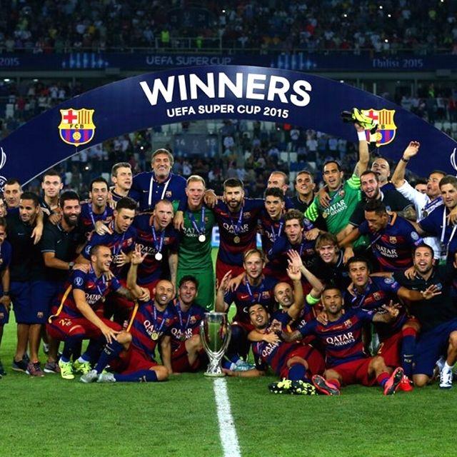 Il #Barcellona festeggia la conquista della Supercoppa europea