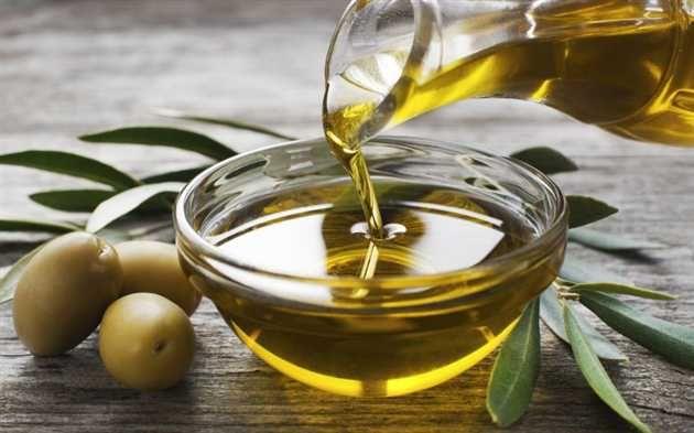 Pretul uleiului de măsline extravirgin în Italia a crescut cu aproape o treime din octombrie si până în prezent ajungând la peste 5 euro per kilogram