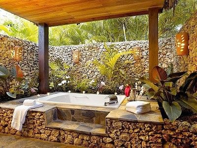 skip the party pool, I want this #outdoor #bathroom #homeaway