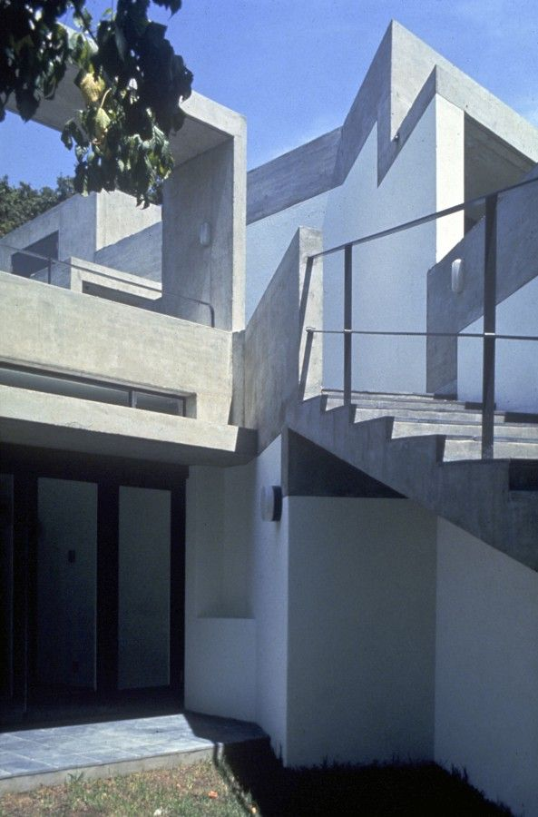 Rowan Lane, Cape Town, 1968-72. A+A de Souza Santos Architects