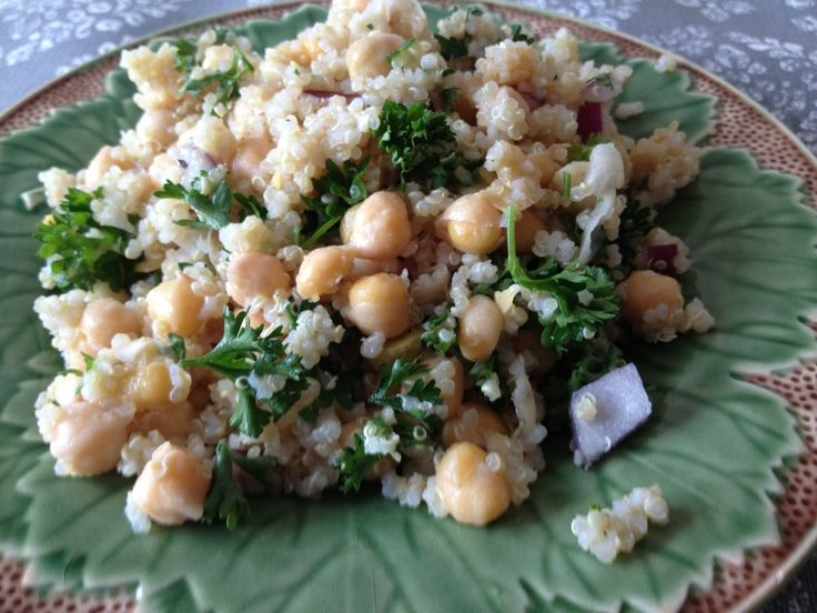Lemon Parsley Chickpeas and Quinoa - perfect salad for a spring or