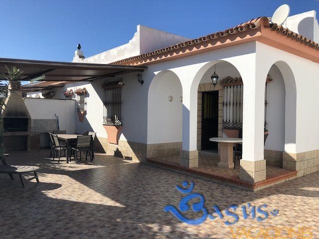 Pin En Casas Chalets Cortijos Apartamentos Bungalows Alojamientos Cabañas En Alquiler En El Palmar Andalucía