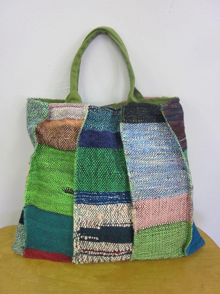 SAORI weaving by Mihoko Wakabayashi, my mentor at SAORI Worcester. Nice bag!