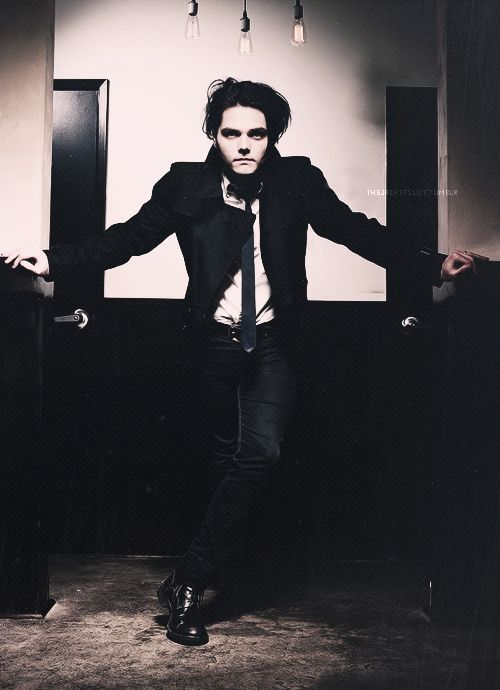 My Chemical Romance 30 day challenge - day 9: Favorite Picture Of Gerard? It's so hard to pick just one pic, but I really loved this look and photoshoot. I may repin a few of my other faves too, though.