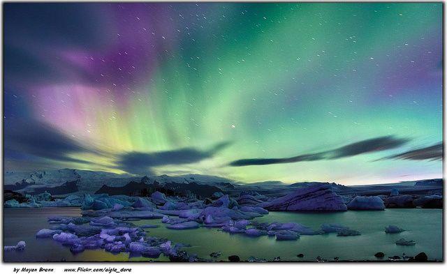 Iceland!!   Northern lights over the Jokulsarlon lagoon. That in background is the Vatnajokull glacier