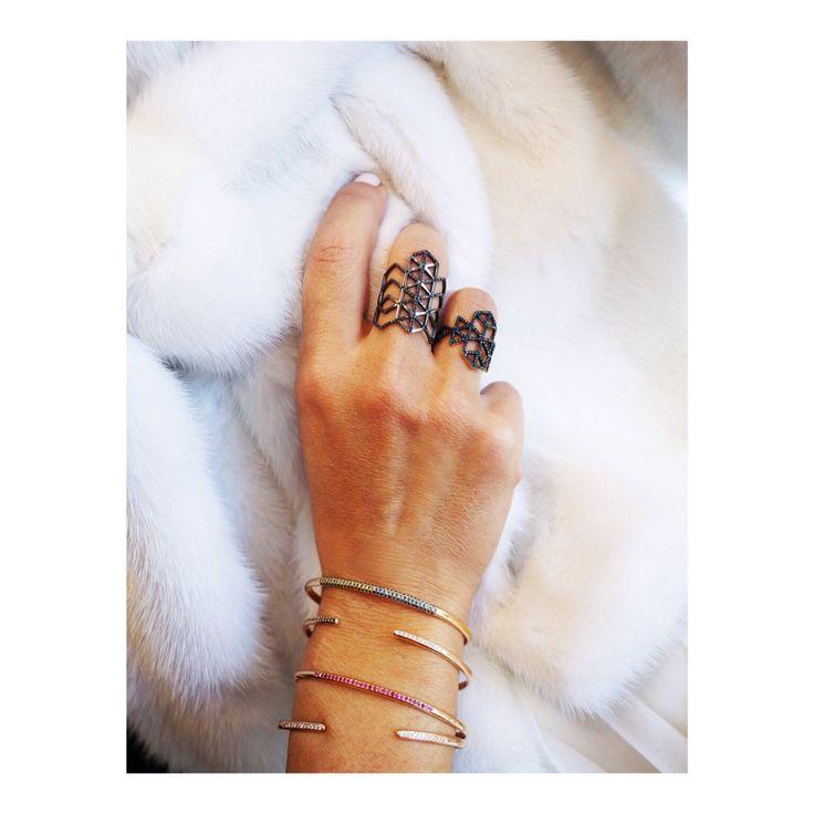 Rock the winter whites ❄️❄️❄️#Izel #IzelAddict #TreasureBox #LITO #LitoJewelry