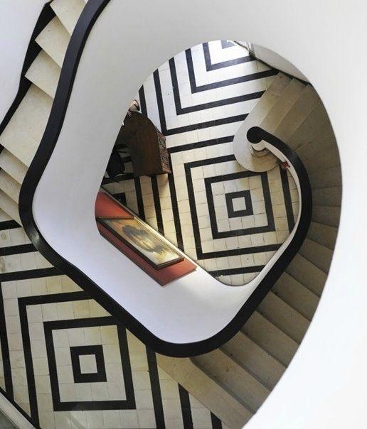 Escalera blanco & negro