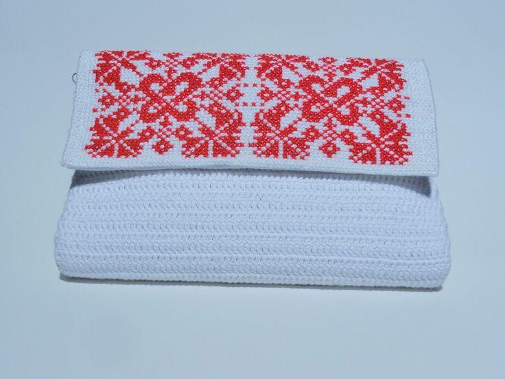 Crochet White Bag with Romanian Traditional Motifs, 100% handmade, CatanaHandmade purse, White Crocheted Bag, Wedding clutch by CatanaHandmade on Etsy