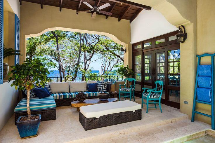 Villa Azul is een luxe vakantievilla te Guanacaste kust, Costa Rica die accommodatie biedt voor 10 personen. Ideaal voor vakantie met vrienden of families.