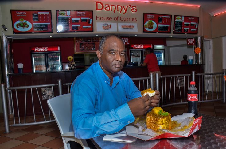It's a beautiful summers day in Durban and we're so thrilled to announce that the winners of the 2015 Bunny Chow Barometer - Danny's House of Curries now has bunny boxes available with all their bunny chows!
